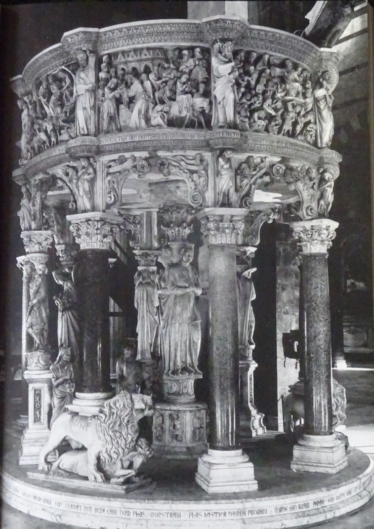 pisano pulpit w inscriptions DSC03404.jpg
